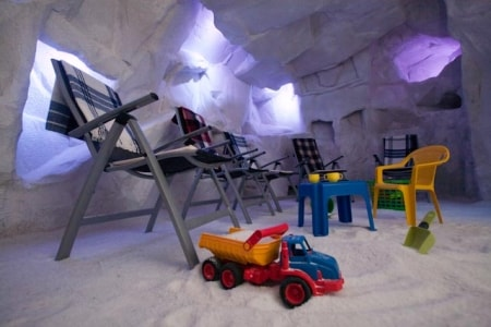 salt_cave_therapy_room_20100504_1033464483